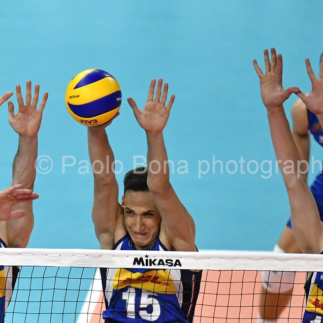 Volley male