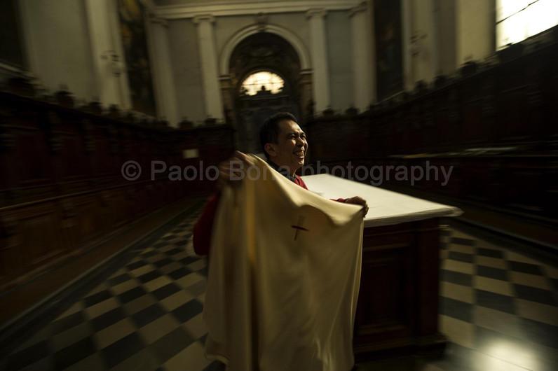 Happiness on sacristy duties