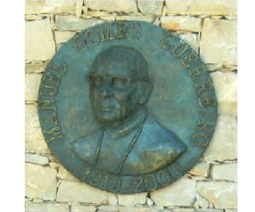 """2005 - """" Busto do Dr. Manuel Guerreiro"""", Querença, Loulé."""