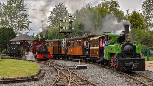 Vintage steam train at Statfold Barn Railway