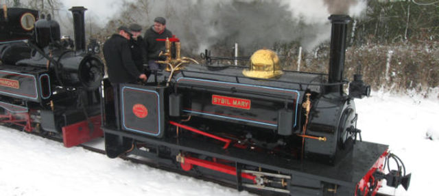 Sybil Mary Hunslet Engine at Statfold Barn Railway