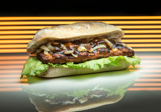 Kiss burger szendvics