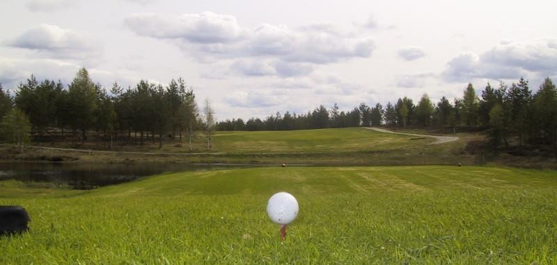 18 hulls golfbane i spaseravstand