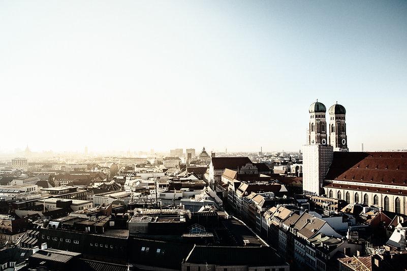 Skyline von München mit den beiden Türmen der Frauenkirche