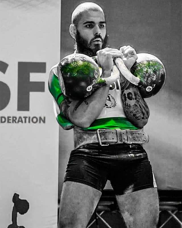 Neto Double Jerk 24kg. Lindolfo campeão mundial no desempate por pesagem.