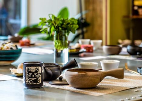 Slider-9-Tea-Ware-with-Maneki-Cup.png