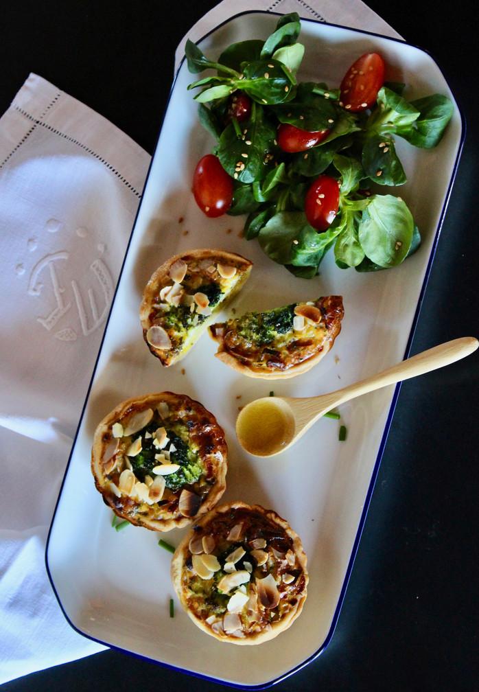 Tartelettes poireaux brocolis amandes, pâte brisée maison à l'huile d'olive