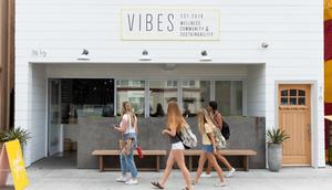 Vibes Beach Cafe Dog-Friendly Long Beach