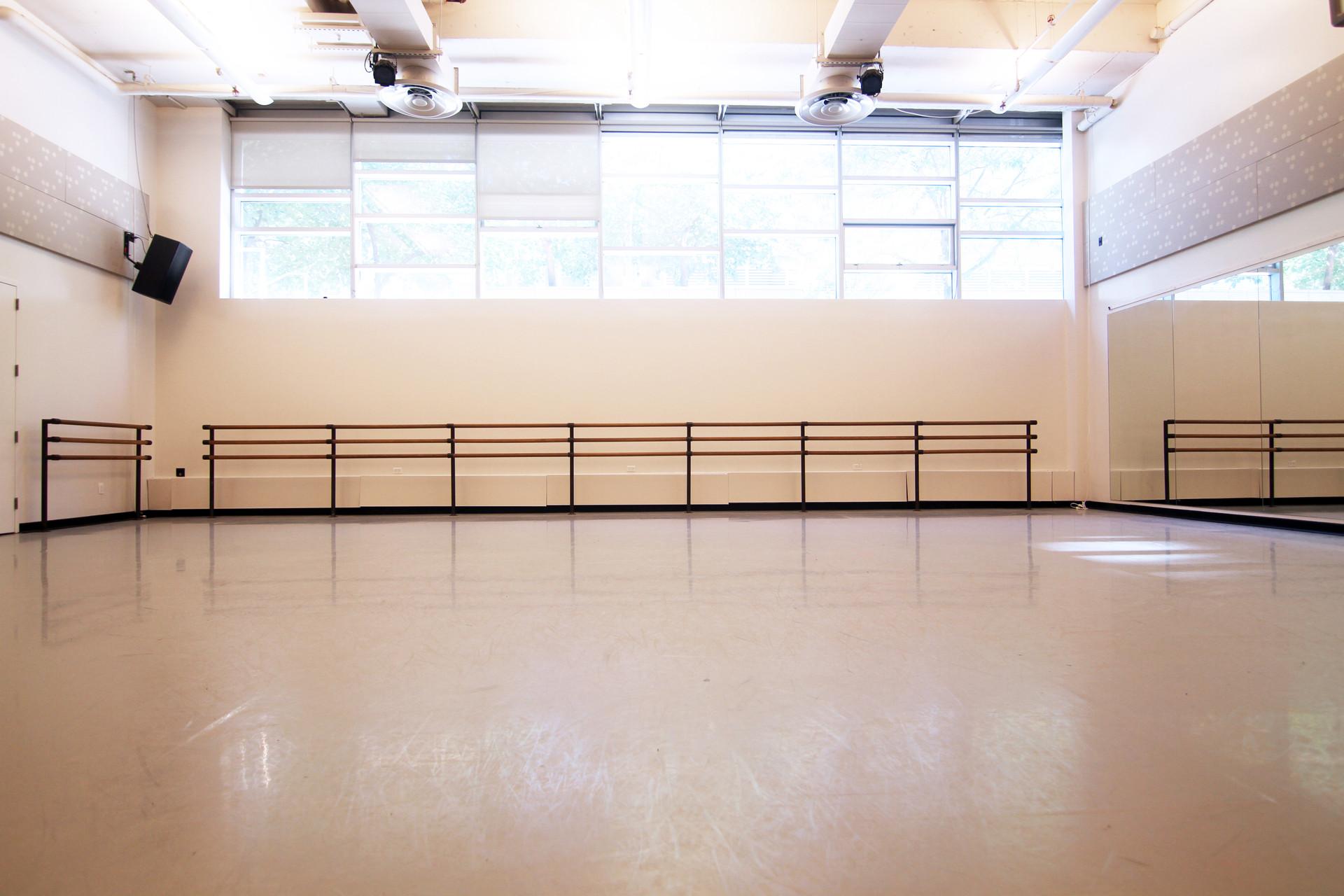 studio 2 5.JPG