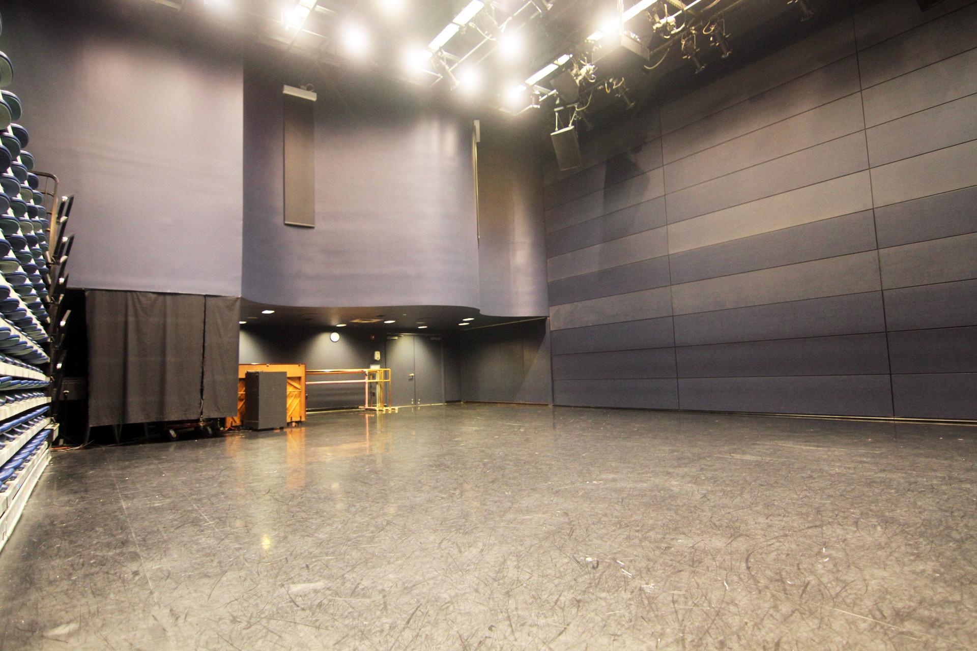 studio 4 3.JPG