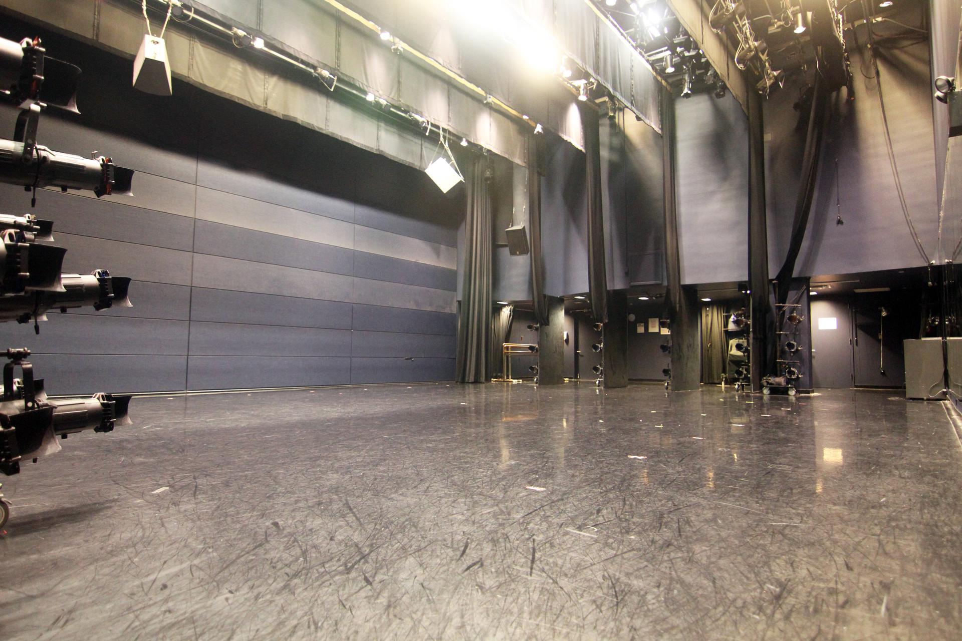 studio 5 4.JPG