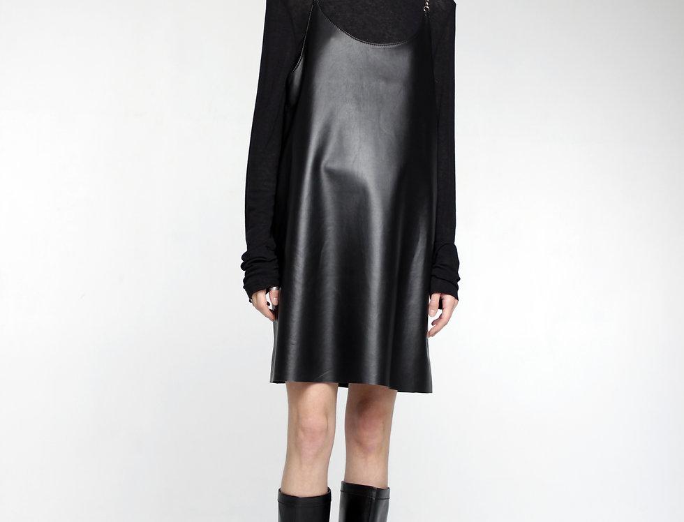 Платье из натуральной кожи на цепочках