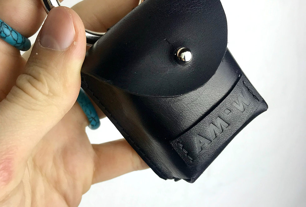Кожаный чехол для AirPods