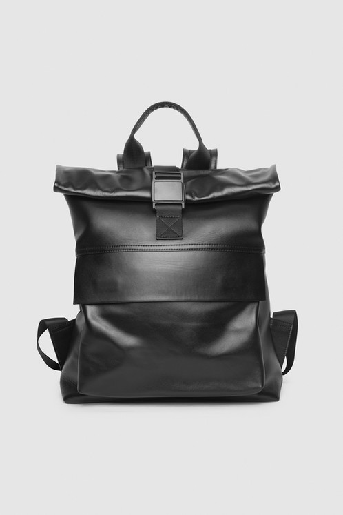 0eab81d75096 Большой вместительный кожаный рюкзак