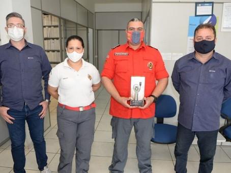 Bombeiros Voluntários de Barra Velha recebem doação de aparelho detector de gases