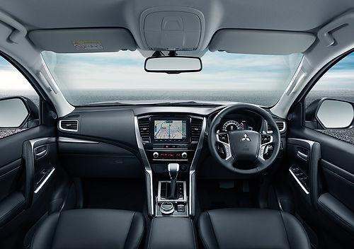 pajero-sport_design_steering-wheel_1080x