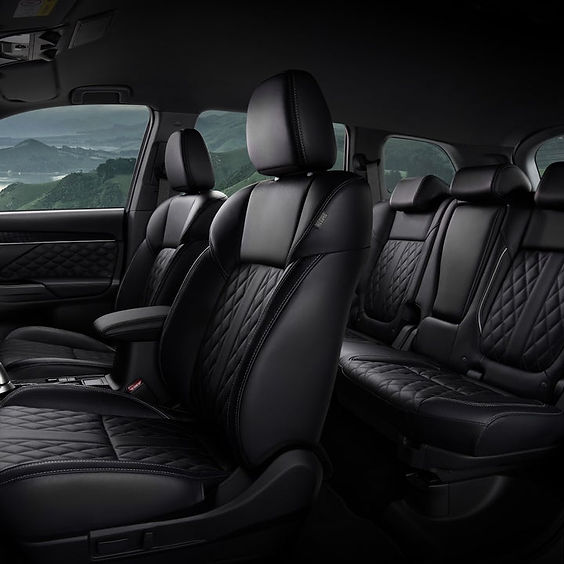 5050_Outlander-PHEV_interior-design1080x