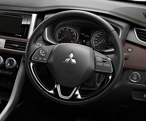 2020-cross-my20-interior.1080x1080_03.jp