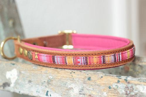 Halsband in Ethno pink