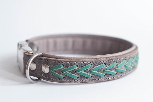 Halsband mit Lederschnur cross