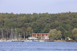Bootshalle_Blick vom Wasser