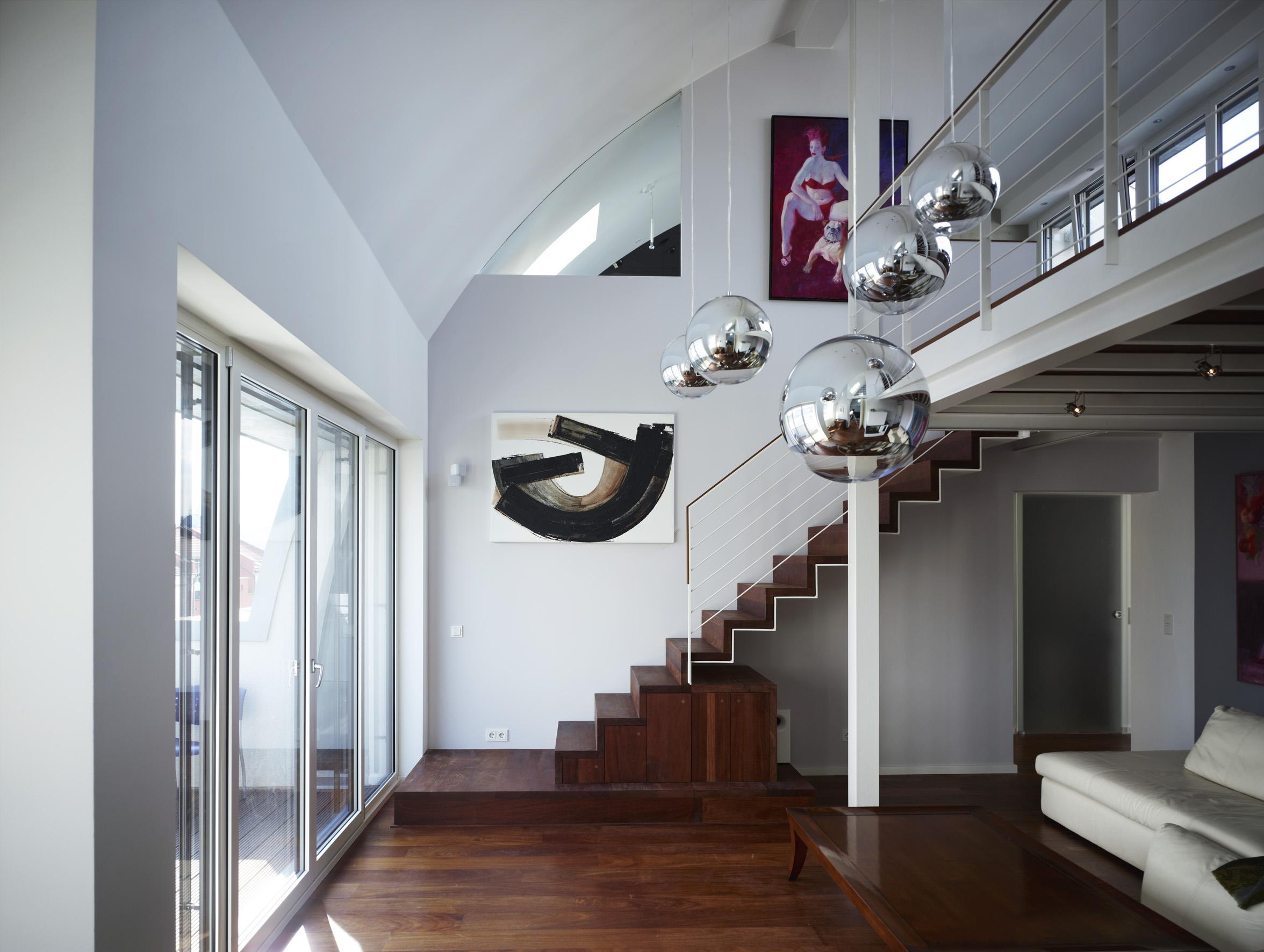 LoftW21 Treppe mit Stauraum