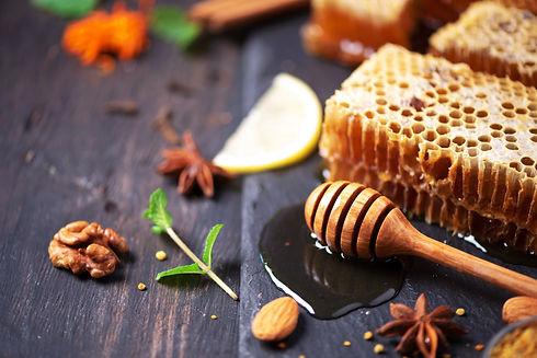 autumn-picnic-herbal-tea-honey-and-bee-p