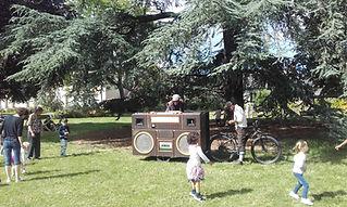 Cyclogistic rennes char- vélo déambualtion vélo défilé vélo logistique vélo éco-événement