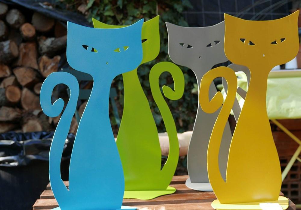 Brindilles déco métal statue chat couleurs