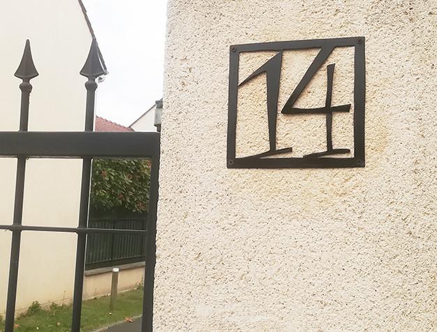 numero-rue-metal-design-cadre.jpg