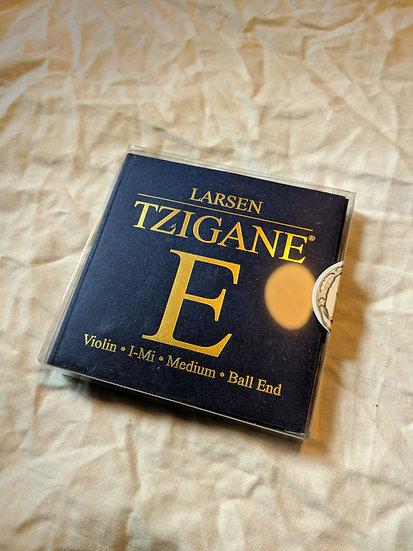 Set of Larsen Tzigane 4/4 Violin Strings, ball e