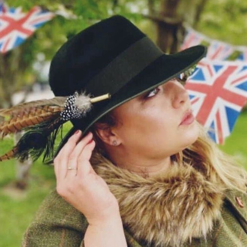 CARTRIDGE FEATHER BROOCHES & HAT PINS