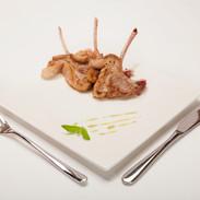 Costolette d'agnello in salsa di menta.j