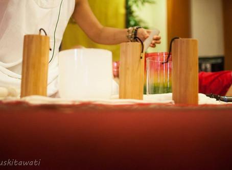 กระดิ่งลม Koshi Chime หนึ่งในอุปกรณ์ดนตรีบำบัด เสียงที่บริสุทธิ์ เพื่อการผ่อนคลาย
