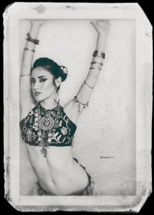 Veronica Lynn by Barnacle Media