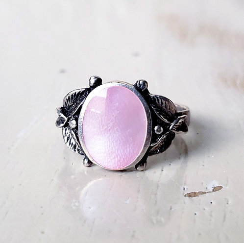 Vintage Pink Mother of Pearl Ring, Size 9 US