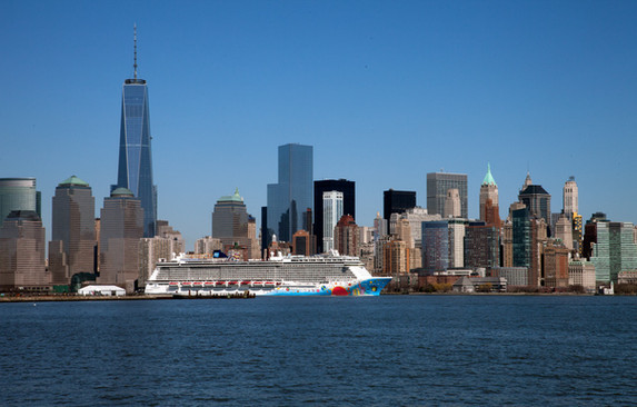 D056433 040614 Manhattan Freedom Towe