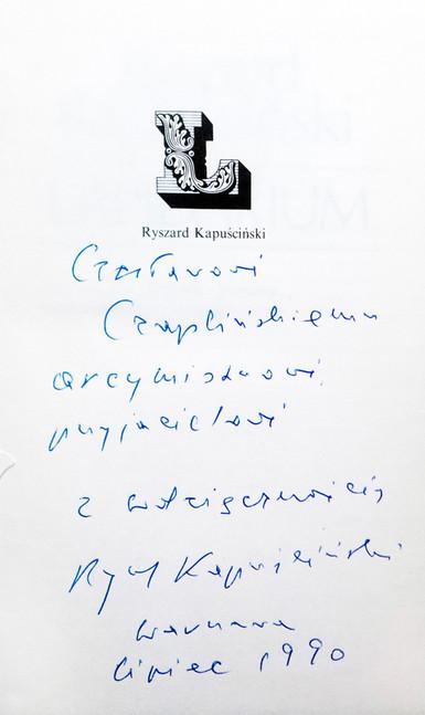 1990 D074321 1990 Ryszard Kapuscinski ksiazki podpisane Czeslaw Czaplinski.jpg