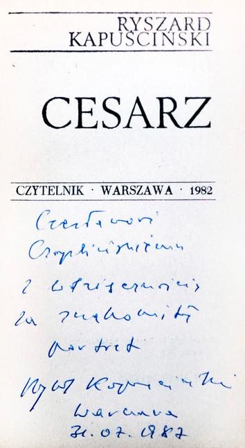 1987 D074332 1987 Ryszard Kapuscinski ksiazki podpisane Czeslaw Czaplinski.jpg