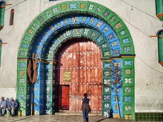 San Juan Chamula: tras las puertas del templo