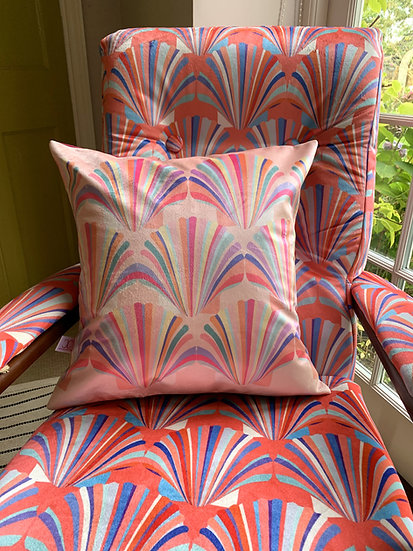 ALL THE PASTEL SHELL CUSHION