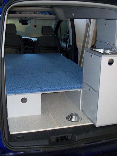 Ford Connect LR - Liegefläche mit Küche