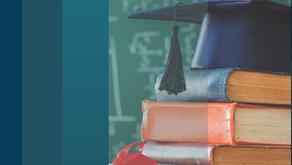 Professora obtém na justiça o direito de progredir na carreira pela conclusão de especialização