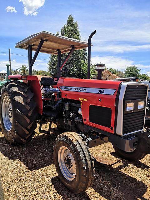 Massey Ferguson 385.jpg