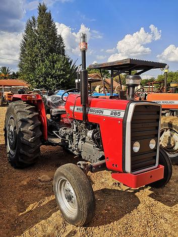 Massey Ferguson 265.jpg