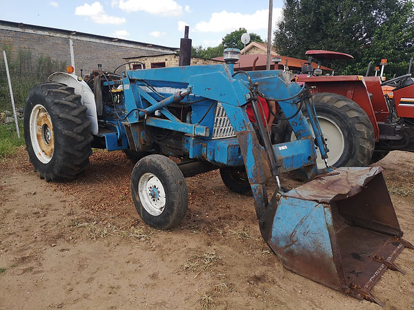 Ford 5000 with loader