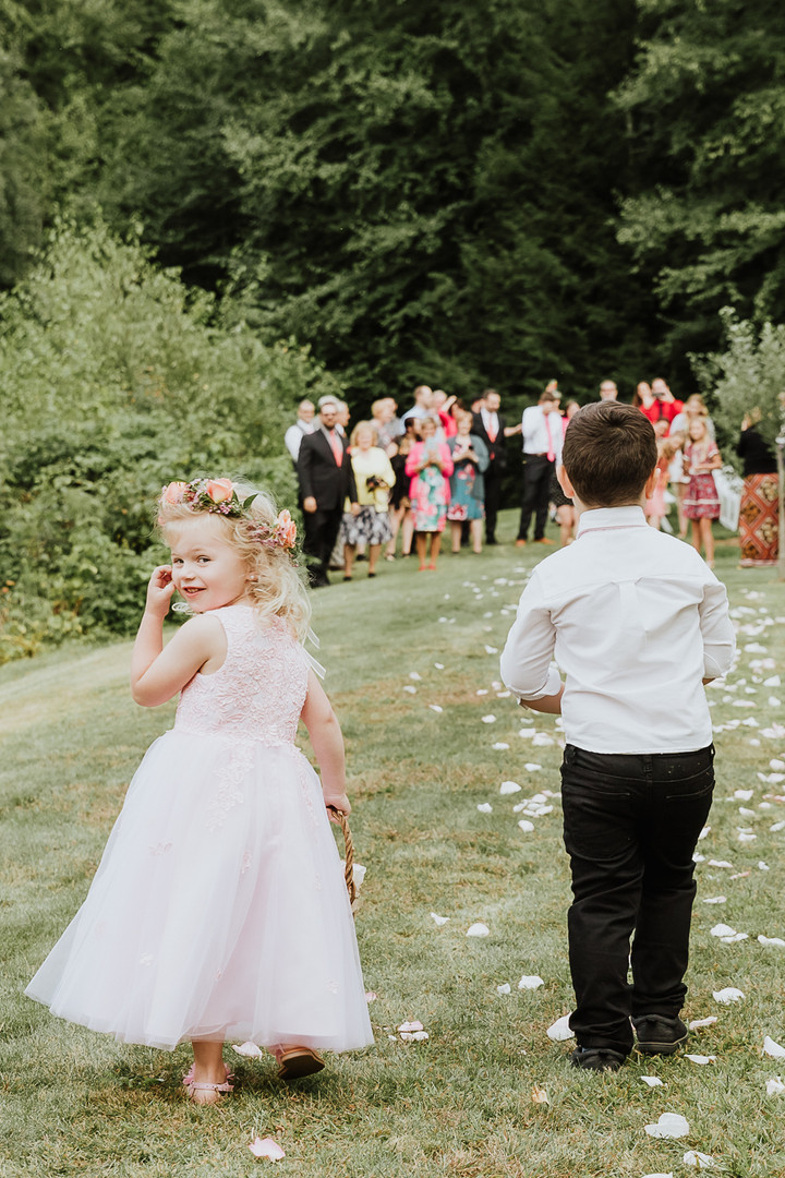 LONG RIVER PHOTO -  Backyard wedding - k