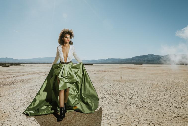 LONG RIVER PHOTO - Woman - Model - Deser