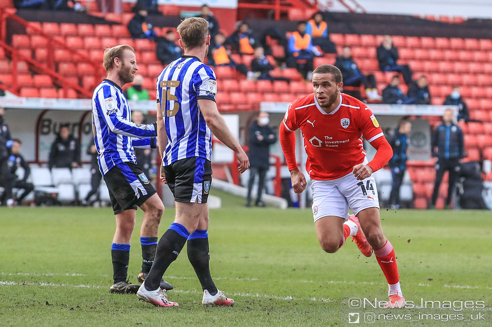 Carlton Morris #14 of Barnsley celebrates his goal to make it 1-2