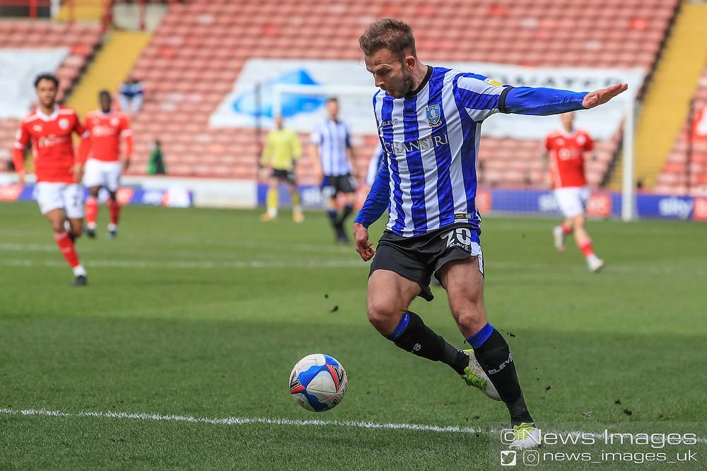 Jordan Rhodes #20 of Sheffield Wednesday shoots on an open net and misses